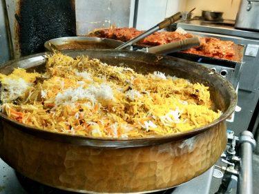 各国料理に与える「銅」の影響力とは?巨大銅鍋でつくる絶品ビリヤニを取材!